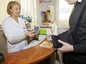 Kas turėtų apmokėti už papildomas vaistininkų paslaugas?