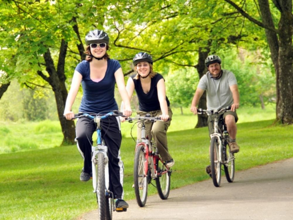 Fiziniam aktyvumui palaikyti pasirinkus dviratį, infarkto rizika sumažėja perpus