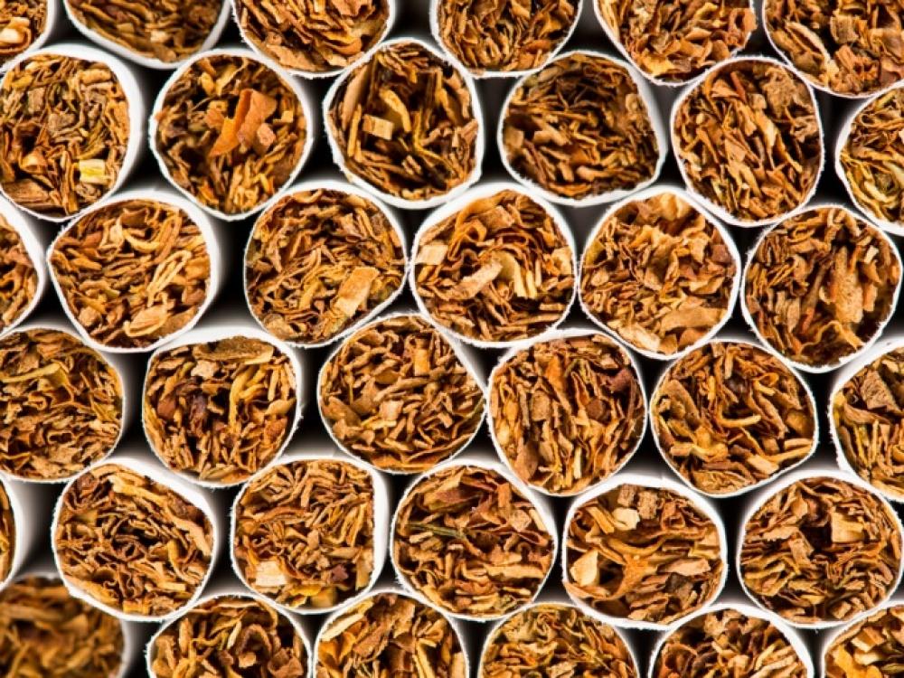 Nuo šiandien – nauja tabako direktyva: kitokie pakeliai, įspėjimai, neliks mėtinių cigarečių