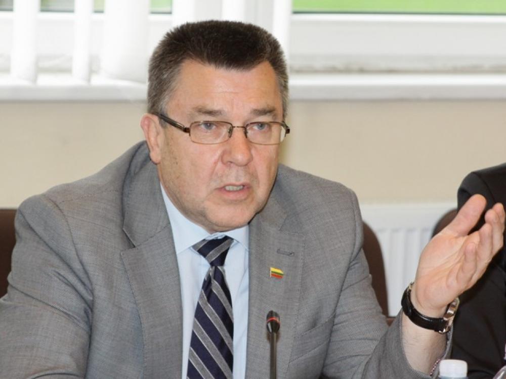 Antanas Matulas siūlo išplėsti su tabako gaminiais susijusius draudimus