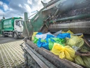 Atliekų tvarkytojai toliau gąsdina vilniečius