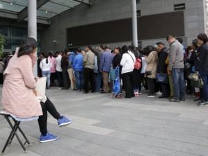 Kinijoje klesti nelegalūs talonėlių pas gydytojus perpardavinėtojai