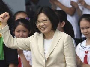 Naujoji Taivano prezidentė žada demokratijos gūsį