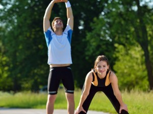 Kaip sportuojant vasarą nepakenkti sveikatai?