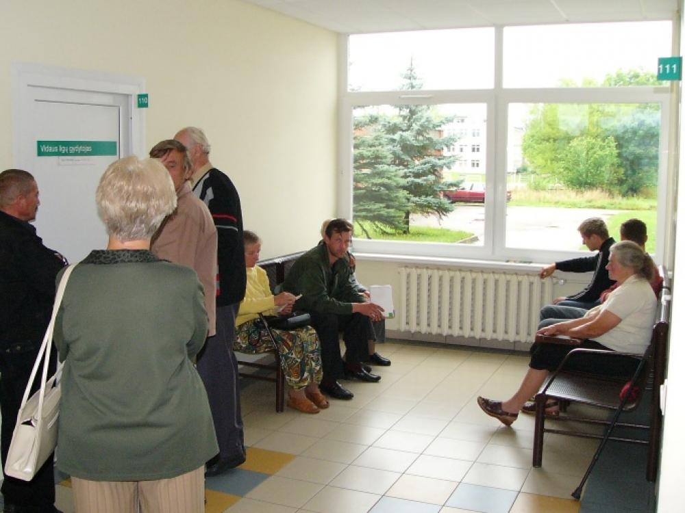 Seimas priėmė pataisas dėl sveikatos priežiūros paslaugų suteikimo terminų ir apmokėjimo