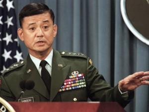 JAV veteranų reikalų vadovas traukiasi iš pareigų