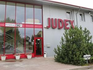 """Dėl vykdomo tyrimo laikinai sustabdyta UAB """"Judex"""" veikla"""