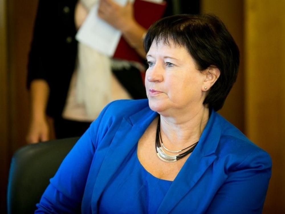 Koldūnų skandalas: korupcija įtariamą VMVT vadovą Milių globojanti ministrė klimpsta pati