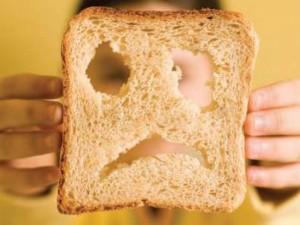 Gydant celiakiją bėdos pridaro ir duonos trupinys