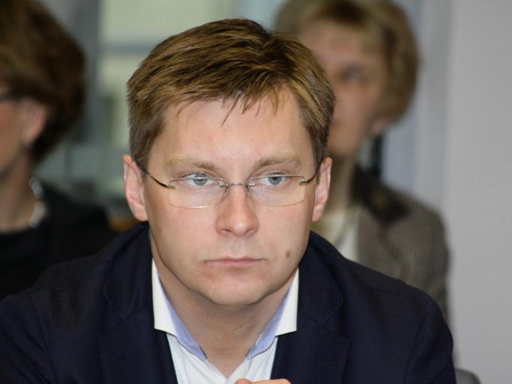 Sveikatos apsaugos ministras J. Požela atsidūrė ligoninėje, būklė sunki