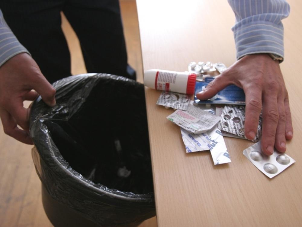 Daugiau nei pusė lietuvių pasenusius vaistus išmeta su buitinėmis atliekomis