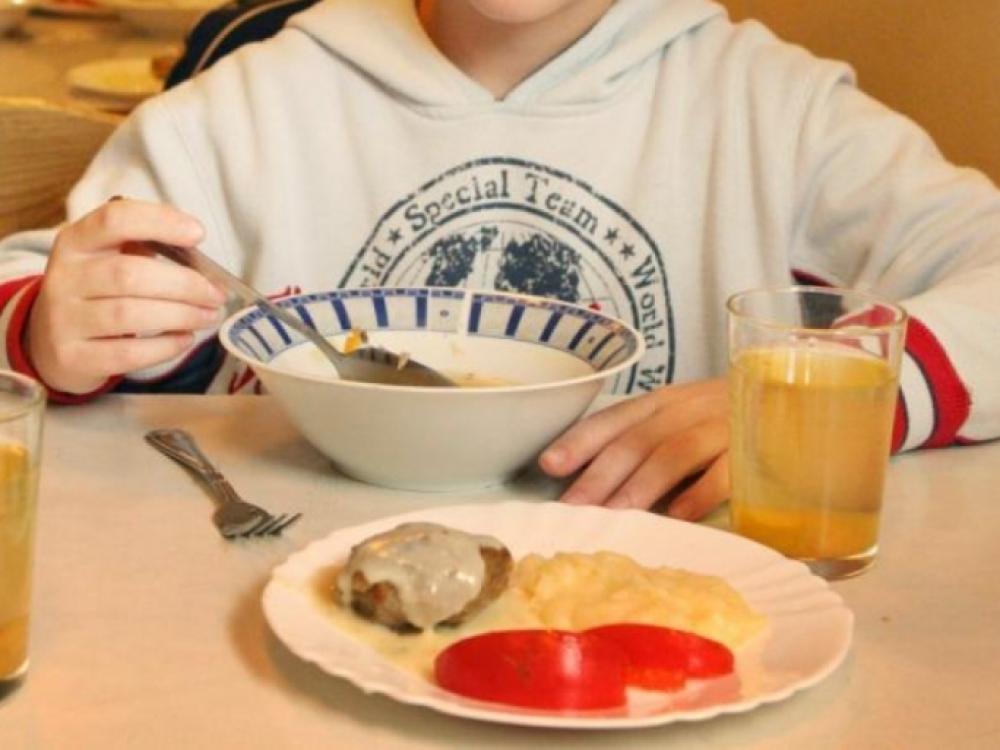 Kuo sudominti vaikus, kad jie eitų pietauti į mokyklos valgyklą?