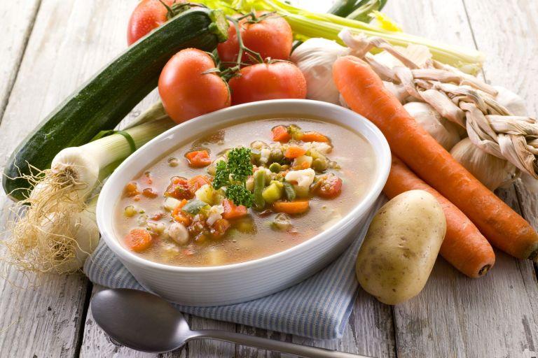 Atvėsusiems rudens vakarams - šiltos sriubos dubuo