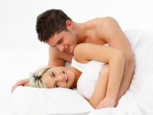 Glamonės ir bučiai po sekso stiprina poros santykius