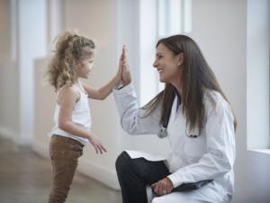 Artritas neaplenkia ir kūdikių
