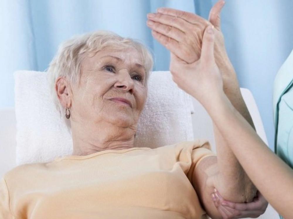 Geriau nenumoti ranka į osteoporozę