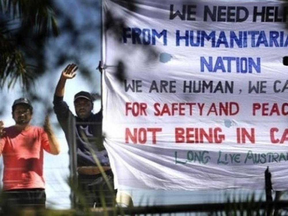 Su pabėgėliai dirbantys medikai atgavo žodžio laisvę