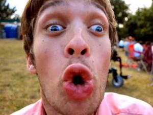 """JAV komikas Zachas Anneris: """"Cerebrinis paralyžius - ne didžiausia mano problema"""""""