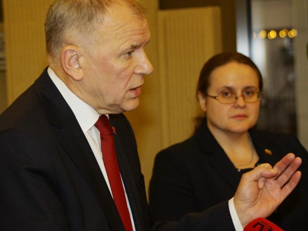 Eurokomisaras V.P.Andriukaitis Pagalbinio apvaisinimo klausimu linkęs palaikyti prezidentės poziciją
