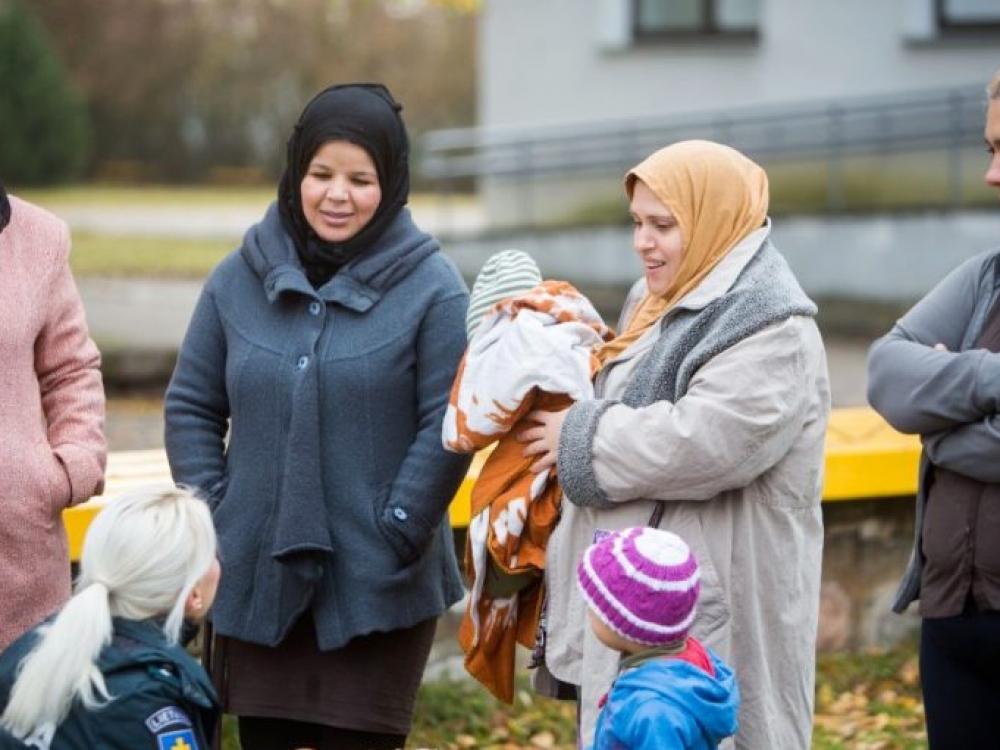 Pabėgėlius turime ne pašalpomis vilioti