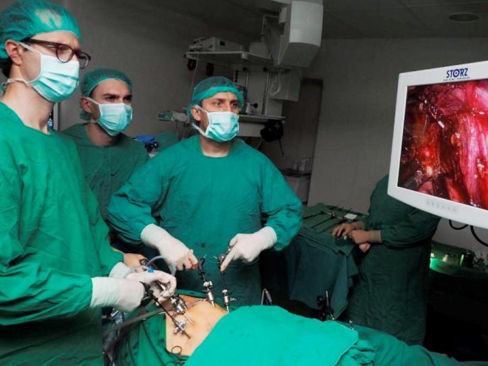 Pirmą kartą sostinėje atlikta inksto naviko šalinimo operacija be pjūvio