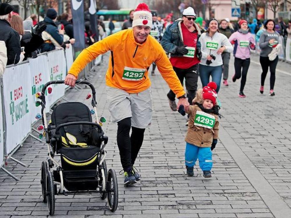 """""""Eurovaistinės Kalėdinis bėgimas"""" gyventi sveikiau kviečia pradėti dar prieš Naujuosius metus"""