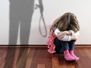 Kodėl būtinas visiškas smurto prieš vaikus draudimas?