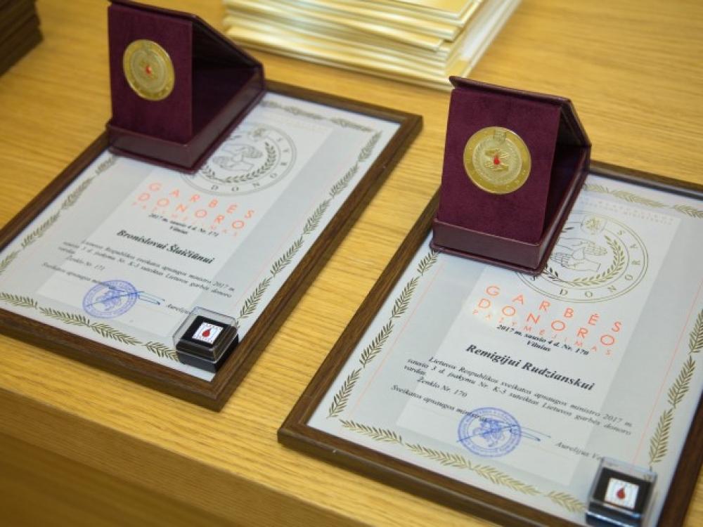 Kaune apdovanoti neatlyginti kraujo donorai