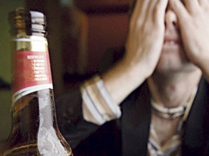 Alkoholis - viena dažniausių ūminio pankreatito priežasčių