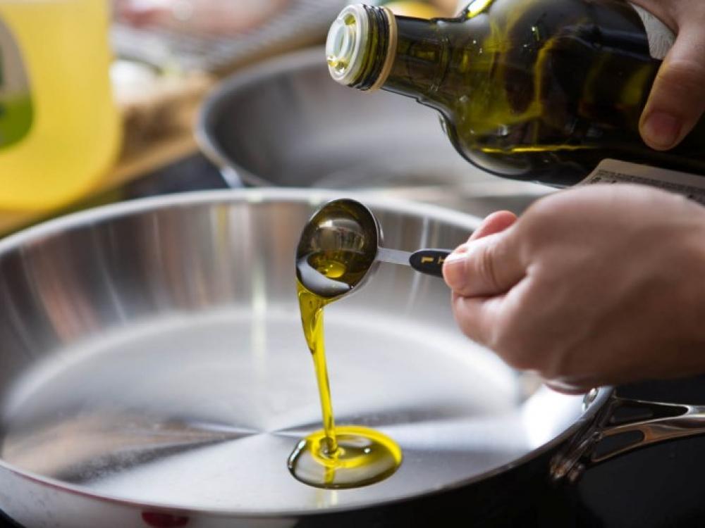 Rafinuoto aliejaus nauda sveikatai – menkavertė
