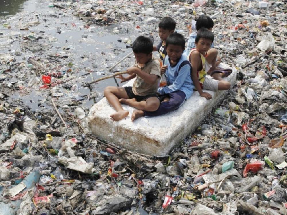 Nuo užterštumo kasmet žūsta milijonai vaikų