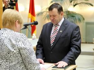 Seimas vienbalsiai pradėjo apkaltos procesą parlamentarui K. Pūkui