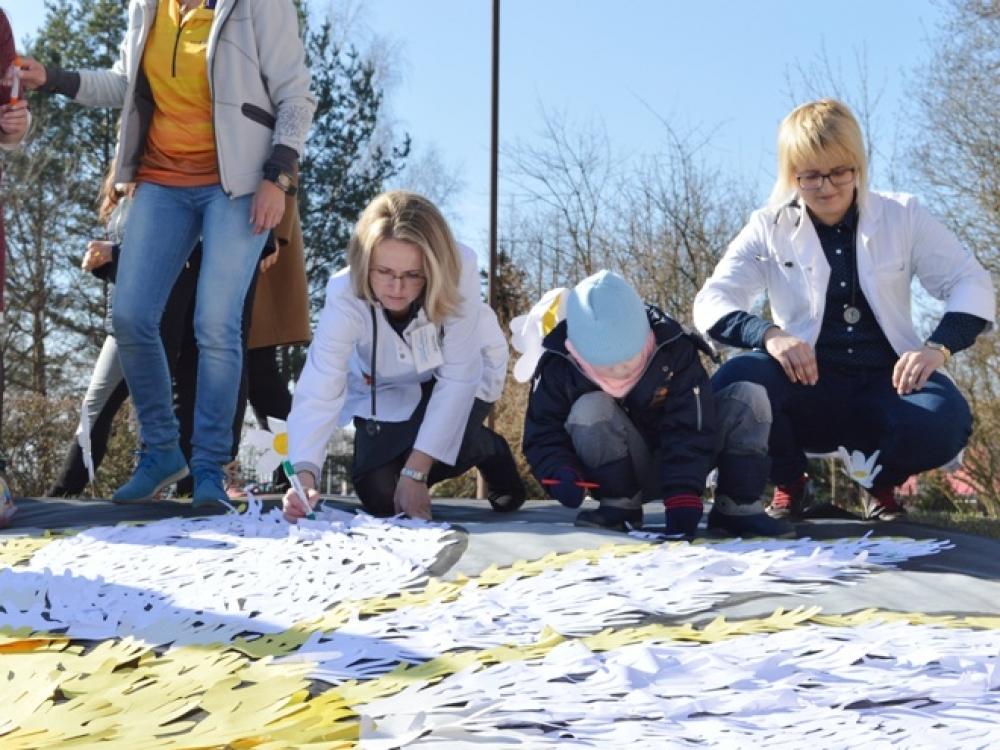Kauno klinikinėje ligoninėje tuberkulioze sergantiems vaikams pražydo Svajonių ramunė