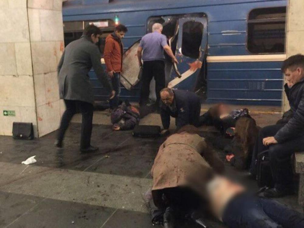 Sankt Peterburgo metro stotyje nugriaudėjo du sprogimai: yra žuvusių ir dešimtys sužeistų