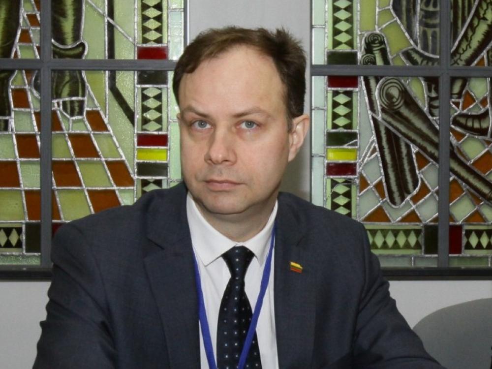 Ministras A.Veryga su pacientų atstovais aptarė vaistų kainų mažinimą
