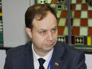 Sveikatos apsaugos ministras baudomis auklės lengvabūdiškus ligonius