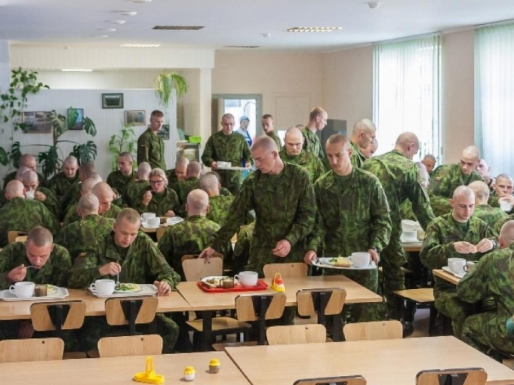 Lietuvos karių maitinimui – daugiau pinigų