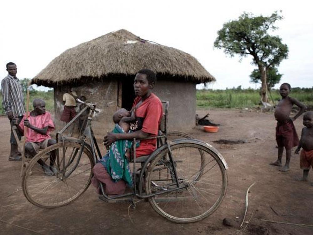 Uganda: ligos priežastis – basos kojos