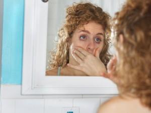 Tyrimas: 9 iš 10 moterų kremtasi dėl išvaizdos