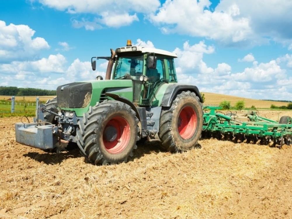 Uzbekijoje psichologu apsimetęs traktorininkas kaip reikiant praturtėjo