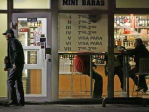 Siekiama mažinti naktinę alkoholio prekybą