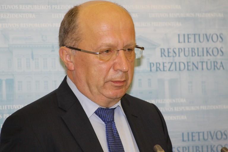 """Seimo narys A.Kubilius: """"Būtina efektyviai padėti asmenims, kurie serga alkoholizmo liga"""""""
