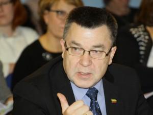 """Seimo nario A. Matulo pranešimas: """"Sulaukęs kritikos ministras A. Veryga atšaukė pasiūlymus, žlugdančius regionų ligonines"""""""