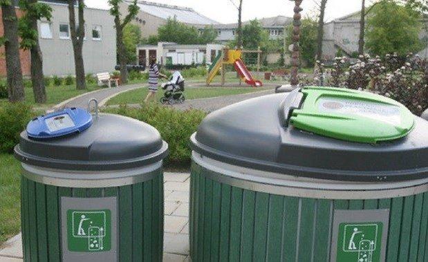Apklausa: visas atliekas rūšiuoja beveik pusė gyventojų