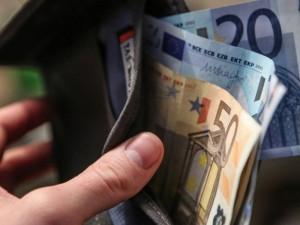 Medikams nuo liepos pirmos didėja atlyginimai