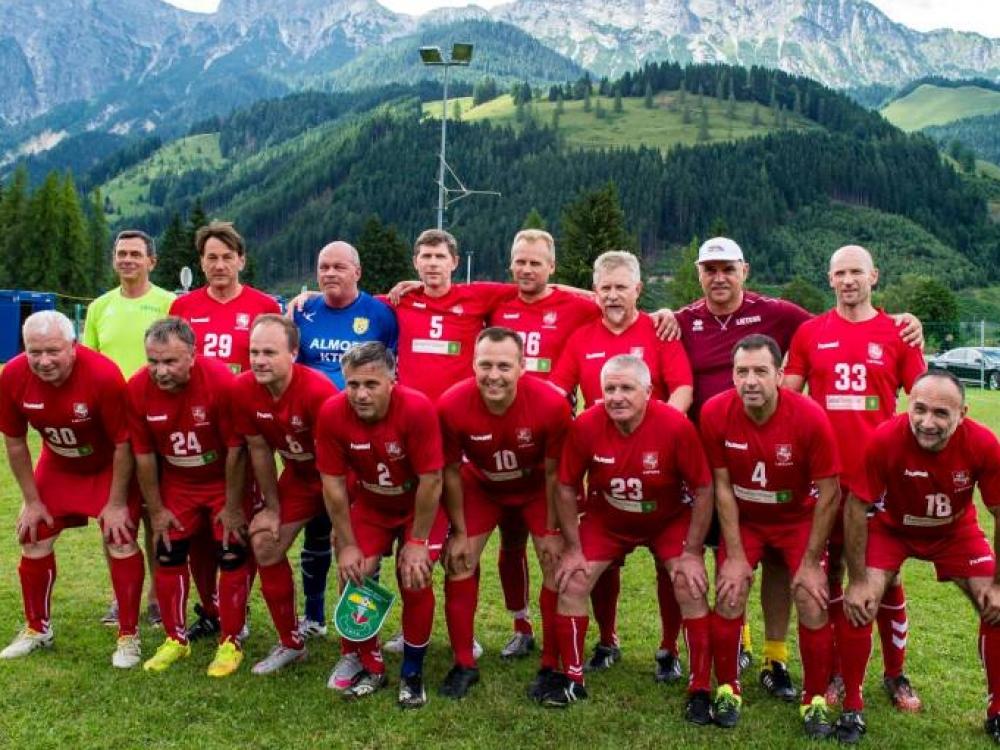 Pasaulio medikų futbolo čempionate lietuviai laimėjo sidabrą!