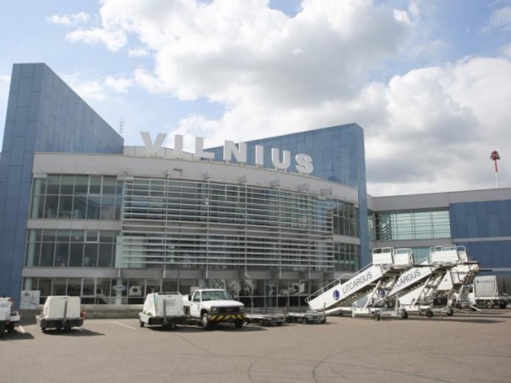Vilniaus oro uoste duris atvėrė vaistinė: kuo prieš skrydžius apsirūpina keleiviai