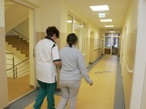 Vyriausybė – prieš slaugos trukmės ilginimą