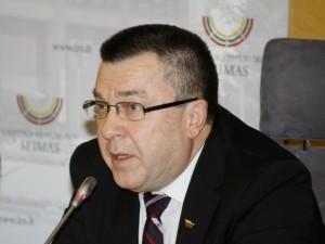 A.Matulas: įdarbinimai Sveikatos apsaugos ministerijoje primena korupcinius susitarimus