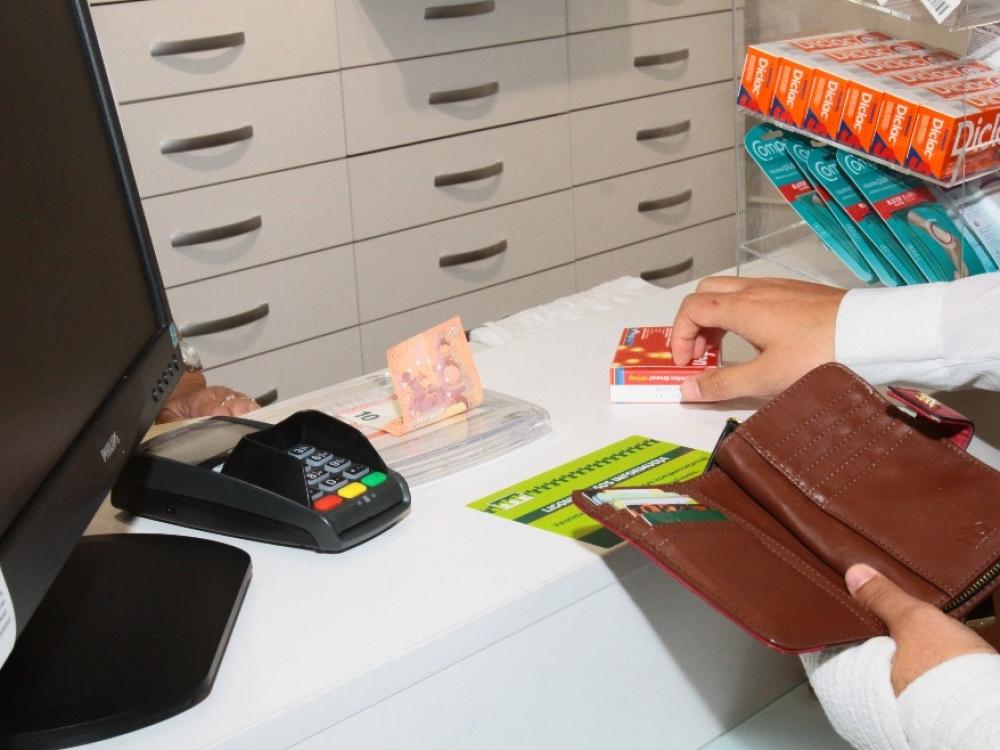 Ministerija siūlo nustatyti priemokų už kompensuojamuosius vaistus lubas